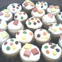 skittle-and-starburst-cupcakes2
