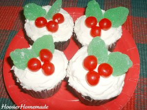 Holly Cupcakes.fixed.2