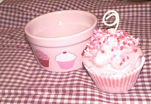 Cupcake Candle giveaway.fixed