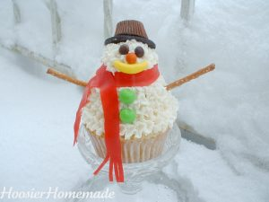 Stacked Snowman Cupcake.fixed.3