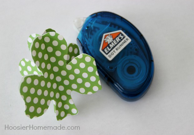 How to Make 3D Paper Shamrocks | Instructions on HoosierHomemade.com