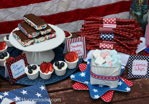 4th Dessert Bar :: FREE Printables + Easy No Bake Treats :: from HoosierHomemade.com