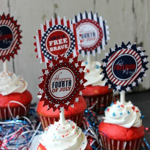 Easy 4th of July Cupcakes: Red, White & Blue