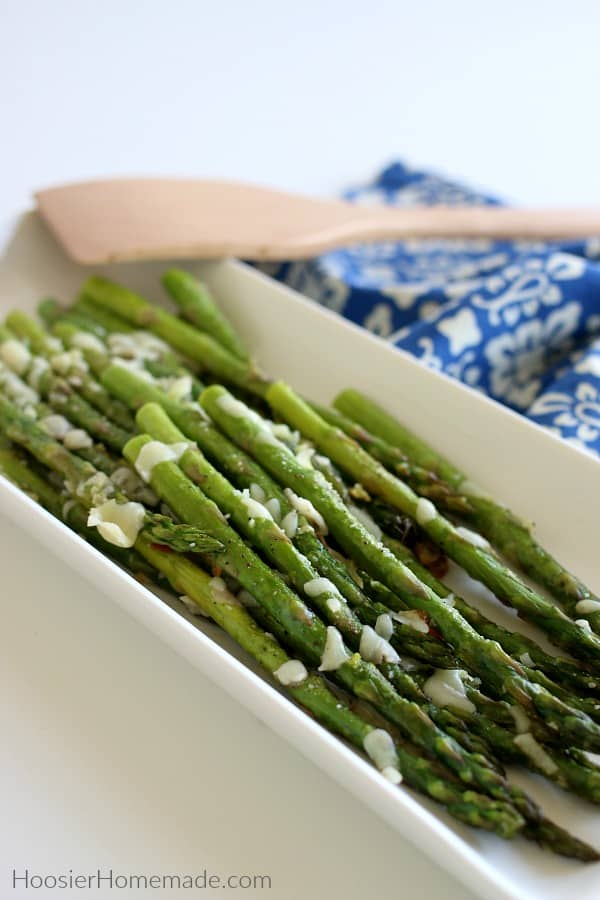 Baked Asparagus on serving plate
