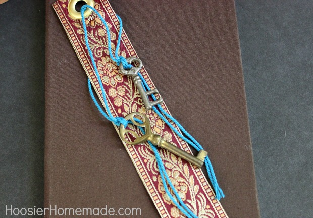 Simple Craft: Key to your Heart Bookmark: HoosierHomemade.com