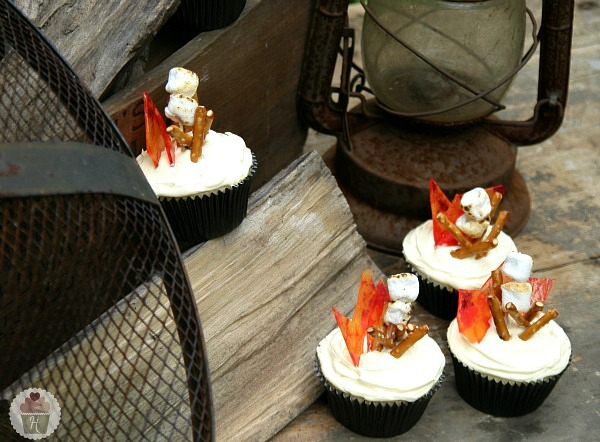 Campfire Cupcakes S Mores With Marshmallow Buttercream