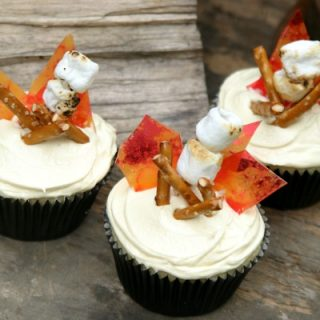 Campfire Cupcakes: S'Mores with Marshmallow Buttercream