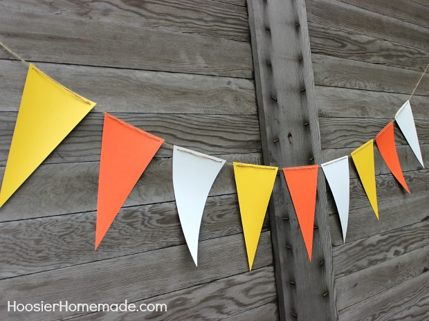Candy Corn Banner:: 15 minute quick craft :: Tutorial on HoosierHomemade.com