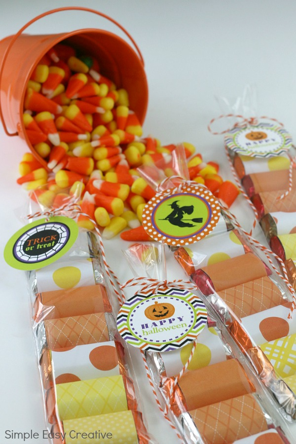 CANDY CORN TREAT BAGS WITH FREE HALLOWEEN PRINTABLES
