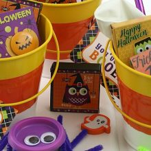 candy-corn-treat-buckets-feature