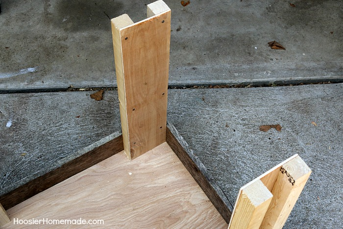 CAT CONDO -- This Cat Condo is made from a Wood Pallet and scrap lumber! Your cat will be cozy in the bed, have fun with the toy, eat, drink and there's even a scratching spot!