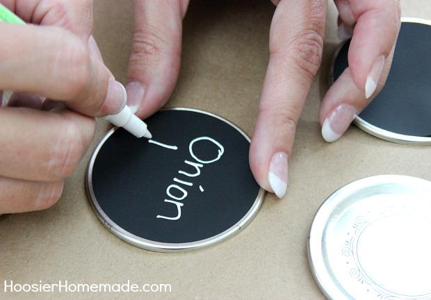 How to make Chalkboard Labels   Instructions on HoosierHomemade.com
