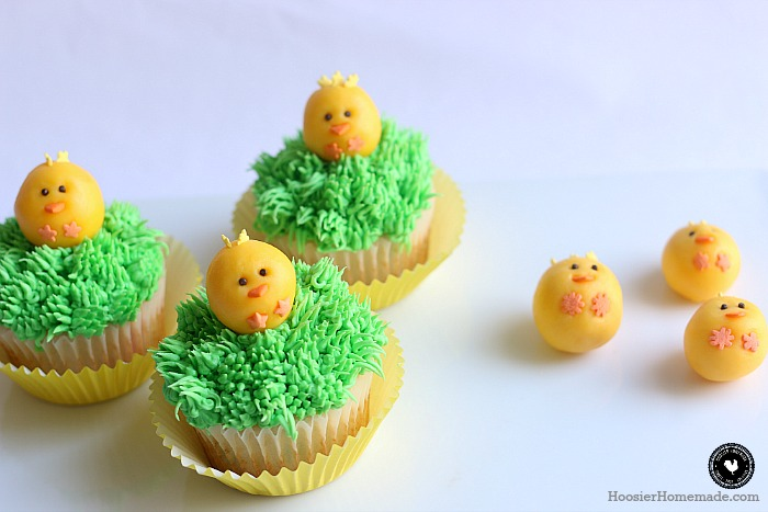 Adorable Chick Cupcakes made with Candy Clay