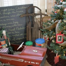Vintage Christmas Decorating on HoosierHomemade.com