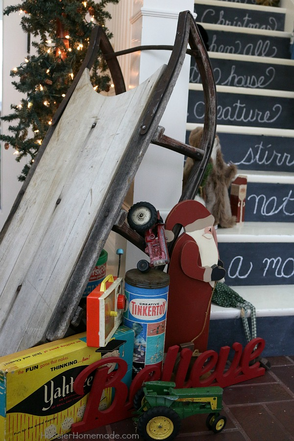 Vintage Christmas Decorating Ideas - 'Twas the night before Christmas, when all through the house, not a creature was stirring, not even a mouse. Add some magic to your home and create these Chalkboards to add to your stair risers.