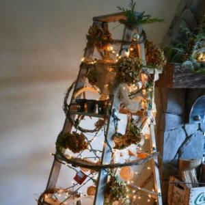 Christmas Tree Ladder :: HoosierHomemade.com