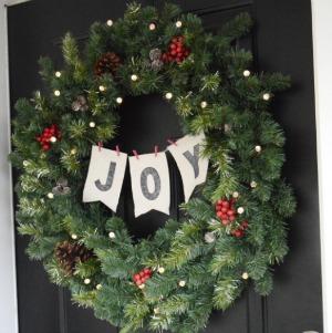 Christmas Wreath :: HoosierHomemade.com