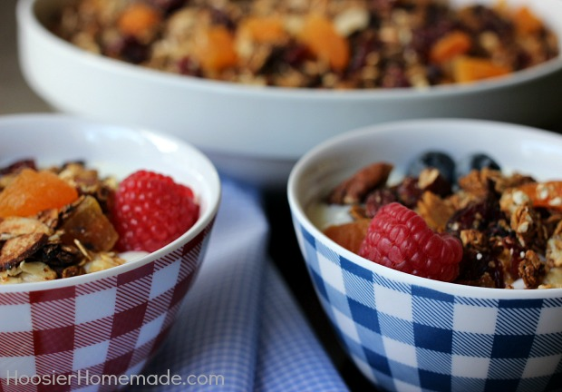 Cinnamon Vanilla Homemade Granola | Easy to make and good for you | Recipe on HoosierHomemade.com
