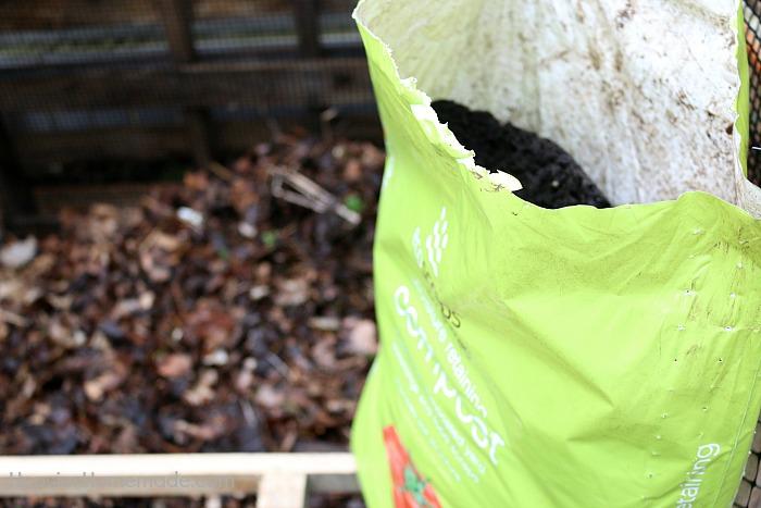 Wooden Pallet Compost-Bin