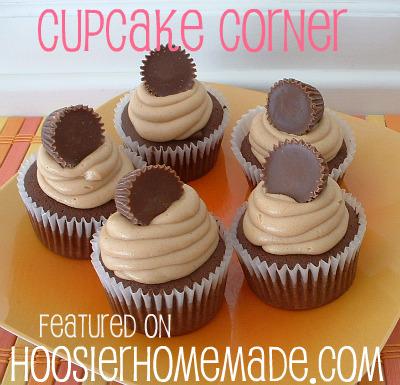 Cupcake Corner at HoosierHomemade.com