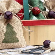DIY-Burlap-Gift-Bags-with-livelaughrowe.com_