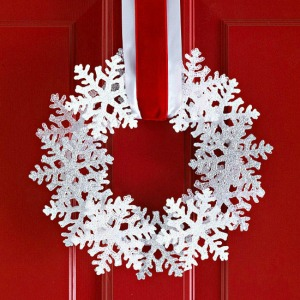 Snowflake Wreath :: HoosierHomemade.com