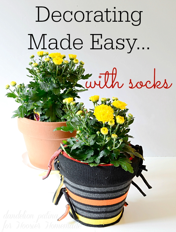 EASIEST DECORATING PROJECT EVER! Create these patterned pots for decorating with just a few easy steps. Full tutorial by dandelion patina for Hoosier Homemade. #decorating #crafts