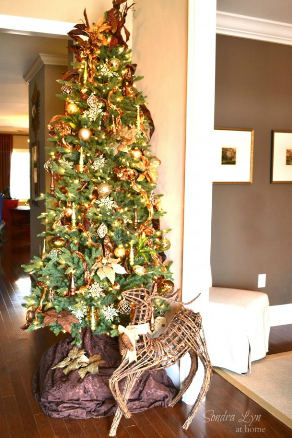 decorate your christmas tree like a pro with these christmas tree decorating tips pin to