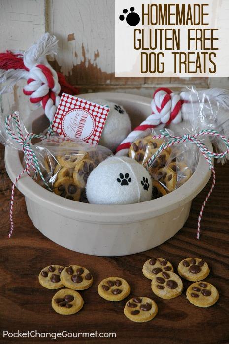 Gluten Free Dog Treats: 100 Days of Homemade Holiday Inspiration on HoosierHomemade.com