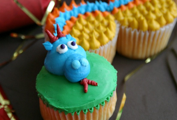 Dragon-Cupcakes.featured.new