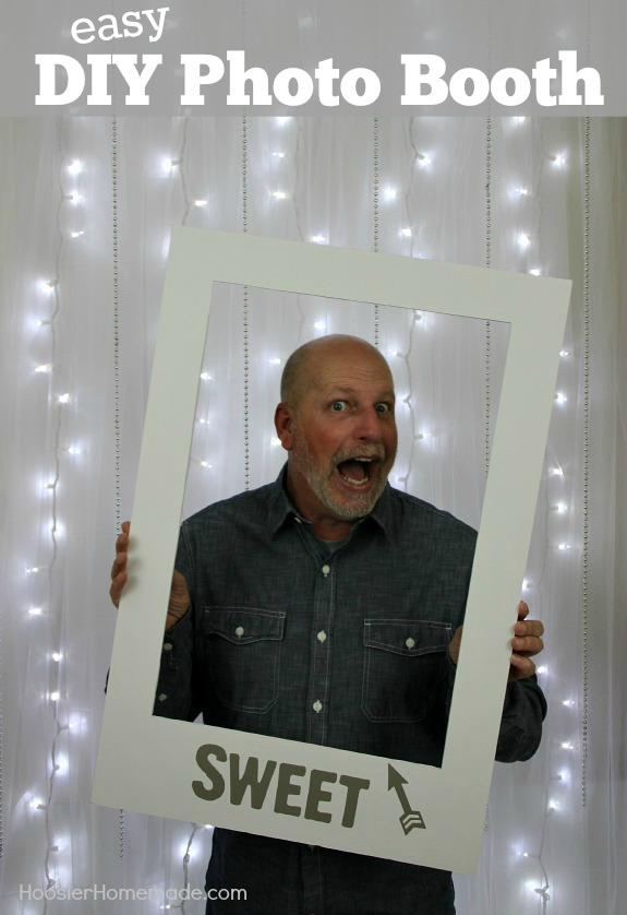 Learn how to make your own EASY Homemade Photo Booth for holidays, weddings, showers, birthdays and more! It's easy and inexpensive too! Pin to your Party Board!