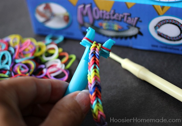 How to Make an Easy Fishtail Bracelet | Directions on HoosierHomemade.com