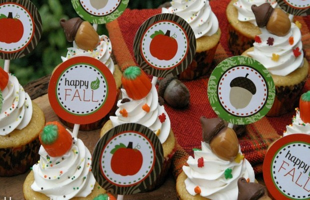 Click here for Happy Fall Cupcake Toppers