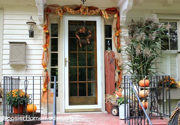 Outdoor Decorating for Fall :: on HoosierHomemade.com