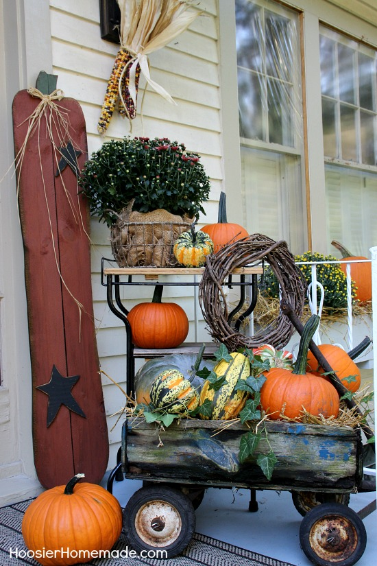 Fall outdoor decorating hoosier homemade for Home made thanksgiving decorations