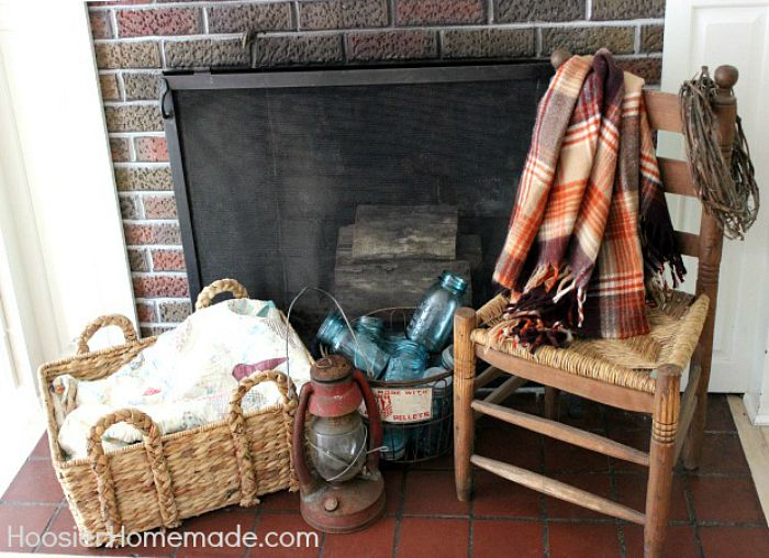 Fall-Mantel-fireplace