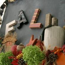 Fall Mantel Decorating :: HoosierHomemade.com