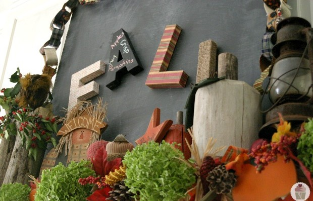 Fall Mantel Decorating :: HoosierHomemade.com