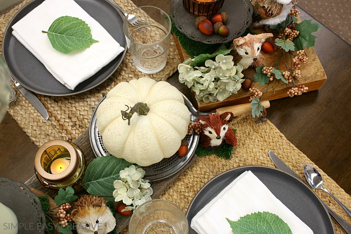 Decorate table for Fall and Thanksgiving