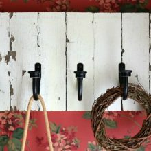 Farmhouse-Front-Foyer.rack.FEATURE