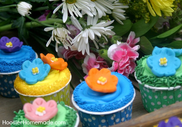 Mother's Day Cupcakes : Flowers made with Candy Clay   Instruction on HoosierHomemade.com