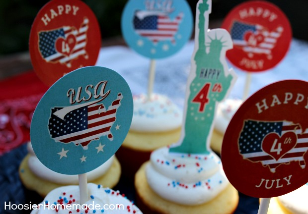 Printable Fourth of July Cupcake Toppers :: Available on HoosierHomemade.com
