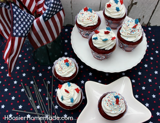 Fourth of July Cupcakes :: on HoosierHomemade.com