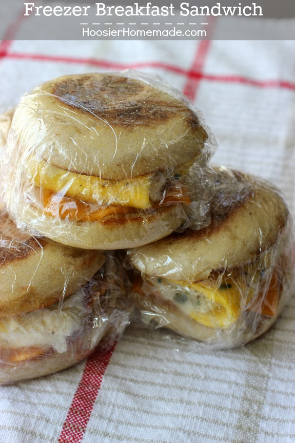 Get out the door fast with these Freezer Breakfast Sandwiches! Just re-heat and go! Pin to your Recipe Board!