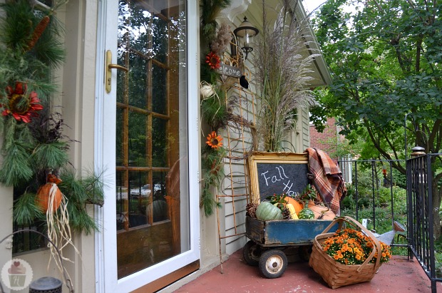 Fall front porch decorating hoosier homemade - Fall decorating ideas for front porch ...