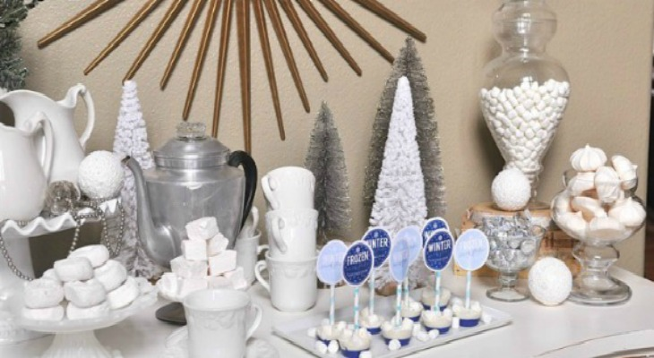 Frozen Themed Hot Chocolate Bar: Holiday Inspiration