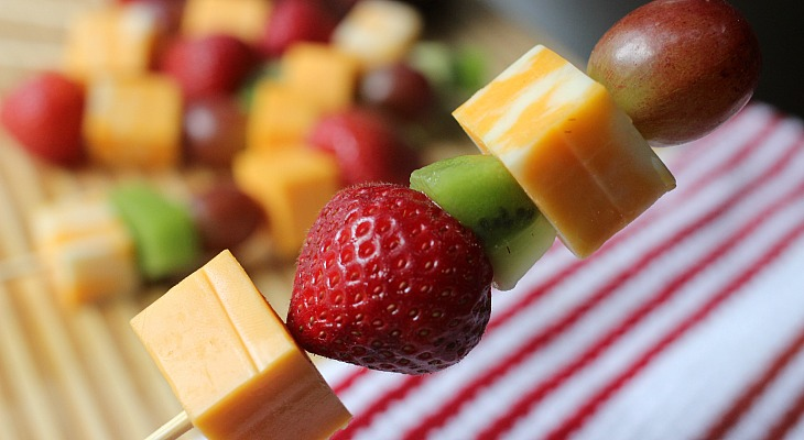 Fruit & Cheese Kabobs.FEATURE