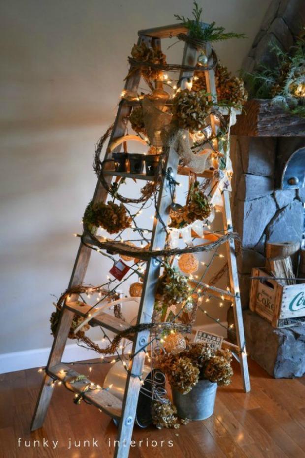 Funky Ladder Christmas Tree: Homemade Holiday Inspiration