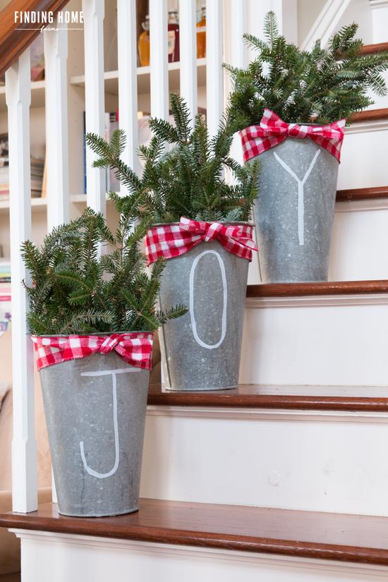 galvanized christmas buckets - Homemade Christmas Window Decorations
