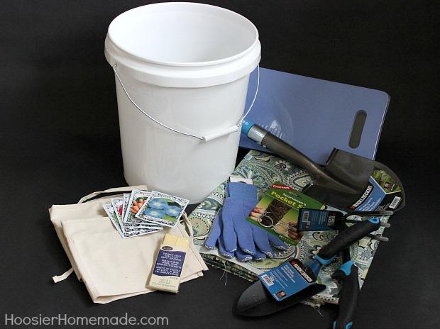DIY Fabric Cover Garden Tool Bucket :: Instructions on HoosierHomemade.com
